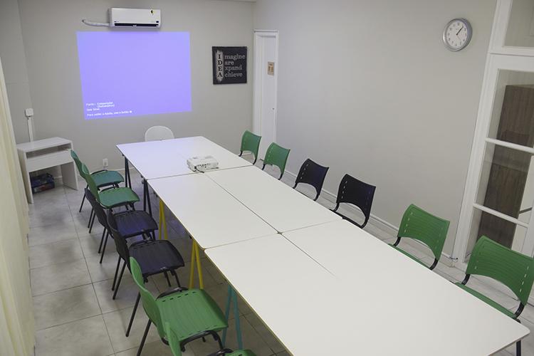 Sala de Treinamento - Formato Reunião